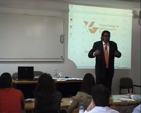 Manuel Martínez Míguez, profesor titular de Dereito Mercantil na Universidade de León - Curso de Marcas